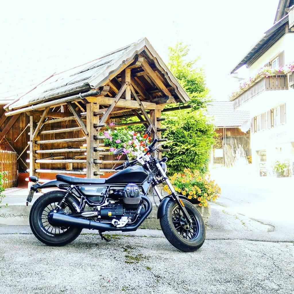 Moto Guzzi V9 Bobber Kärnten Weißensee Lesachtal Motorradtouren Christoph Cecerle mipiace.at