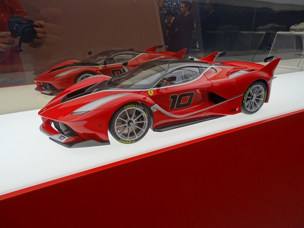 Tom Lenitz Genf Ferrari (19)