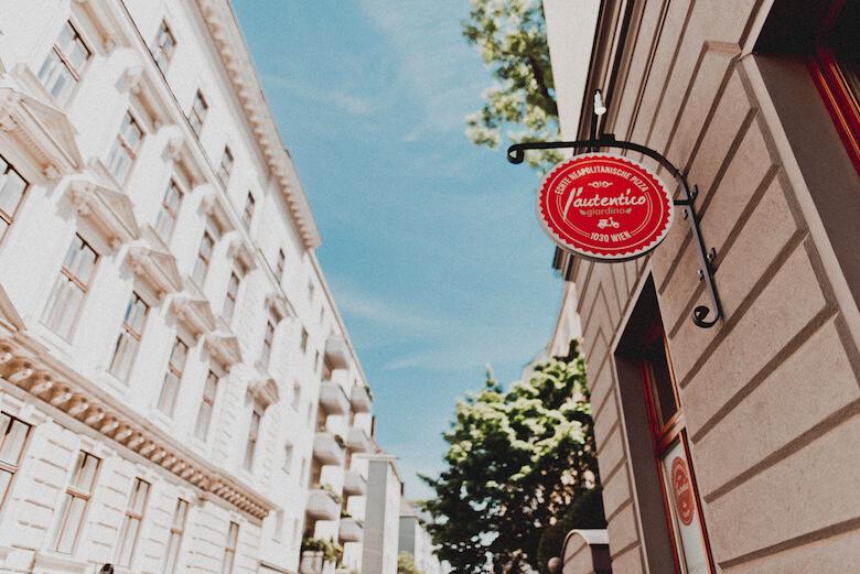 L´autentico Pizzeria Wien Italienisches Restaurant Essen Pizza