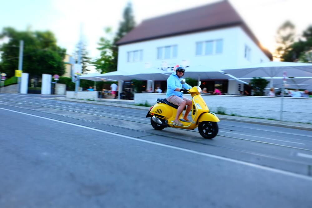 Vespa GTS 300ie Super Sport by eaglepowder.com Christoph Cecerle for mipiace.at