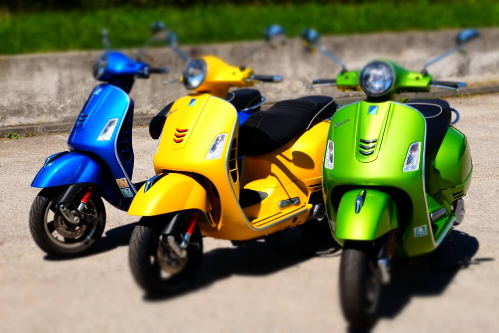 Vespa GTS 300ie Super Sport by eaglepowder.com Christoph Cecerle for mipiace