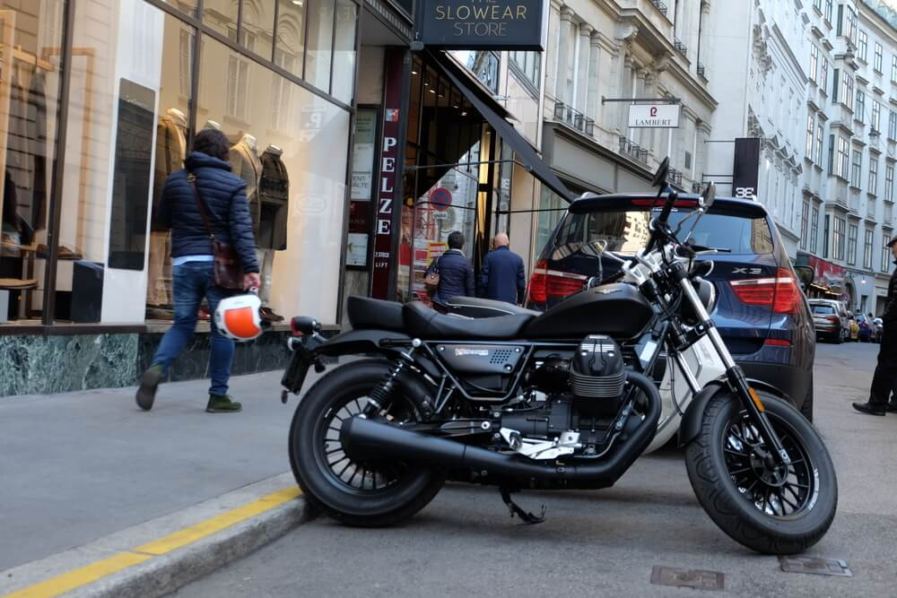 Moto Guzzi V9 Bobber by eaglepowder.com Christoph Cecerle for mipiace.at