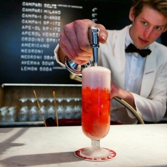 "Campari Bar Vienna im ""Schwarzes Kamel"" by Christoph Cecerle eaglepowder.com für mipiace.at"