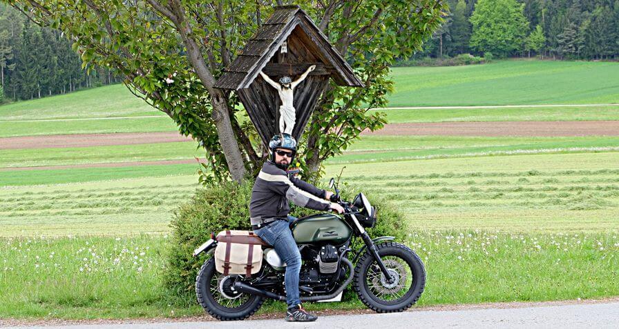Moto Guzzi Header 2