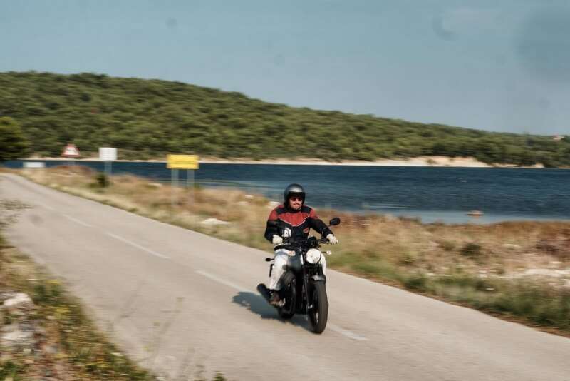 Moto Guzzi V7 III Rough Martin Swoboda for mipiace.at
