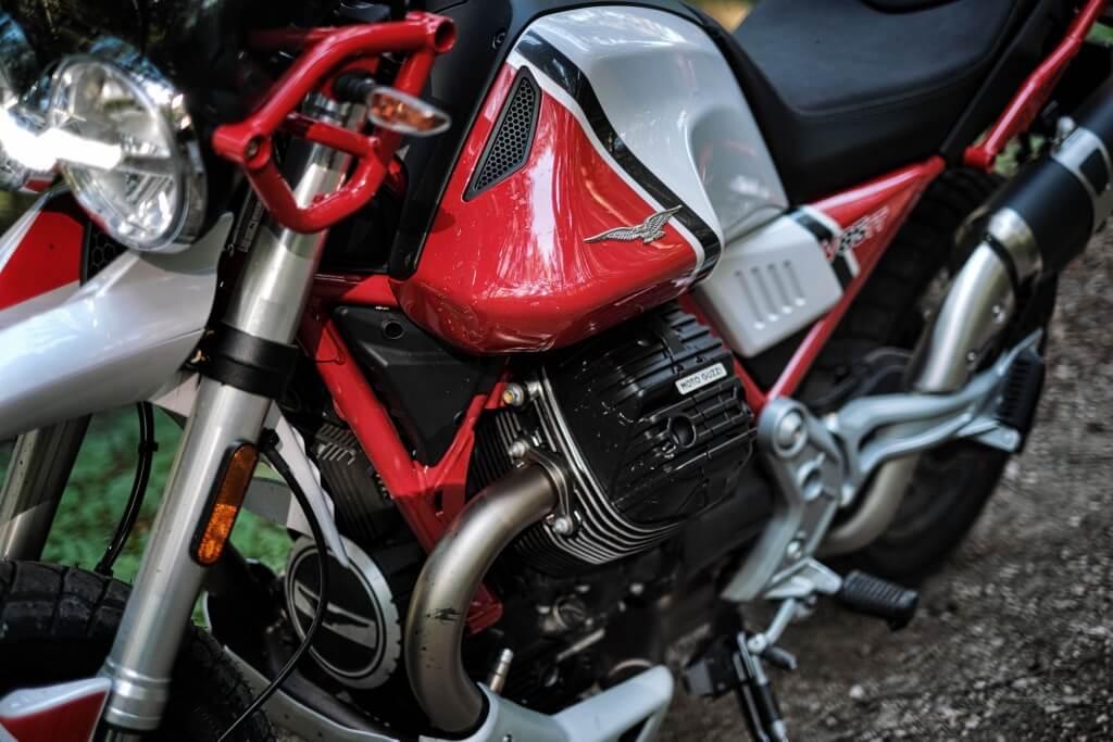Moto Guzzi V85 TT Mipiace.at